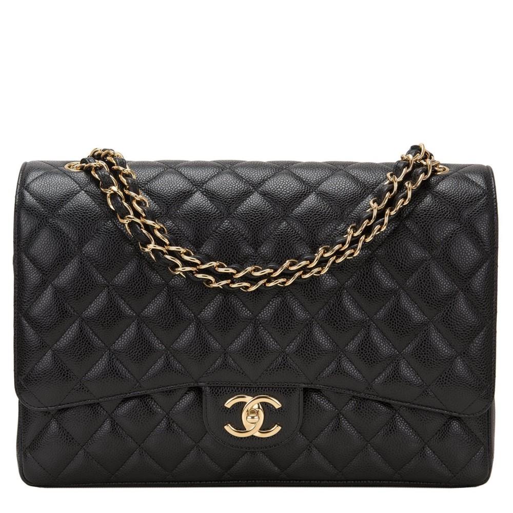 Sac à double rabat matelassé noir Maxi Classic de Chanel ... b261d1678d1